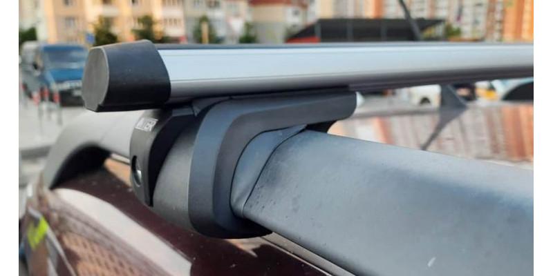 Багажник на рейлинги INTER Titan с замком 130 см (Аэродинамические дуги). Артикул 5522-1006